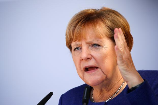 """(ВИДЕО) Меркел му кажа """"ауфвидерзен"""" на Фејсбук"""