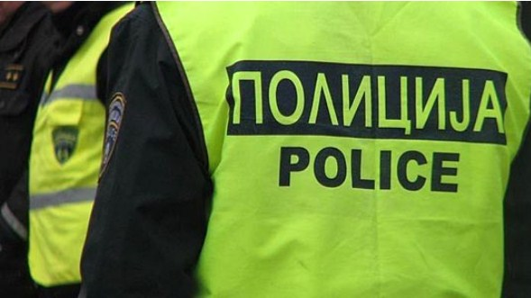 Штипјанец не застанал на полициско запирање, се обидел и да удри во полицијата
