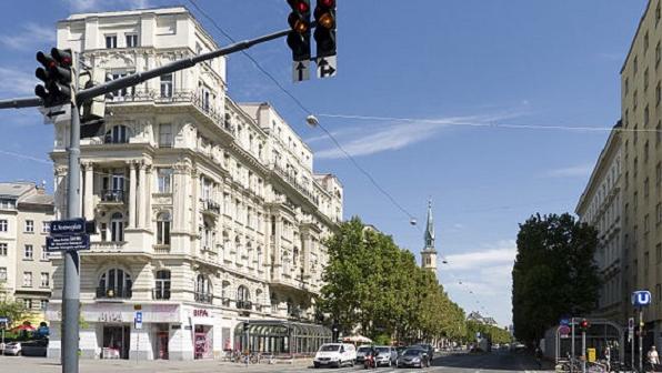 Момчето што нападна четири лица со нож во Виена доби доживотна казна