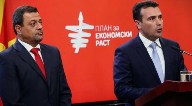 """Заев со осуда кон Анѓушев по инцидентот со новинарите: """"Тој како професор често го користи фломастерот"""""""