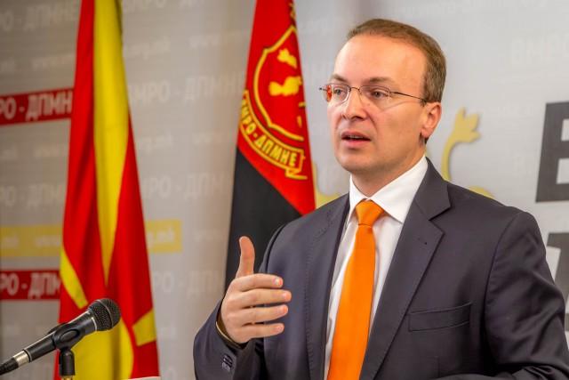 Милошоски: Јанева не може од пртивор да издава наредби, Рахиќ да поднесе оставка