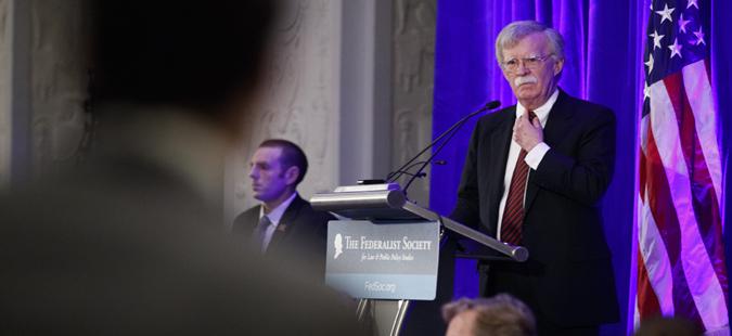 Трамп го отпушти Џон Болтон, советникот за национална безбедност