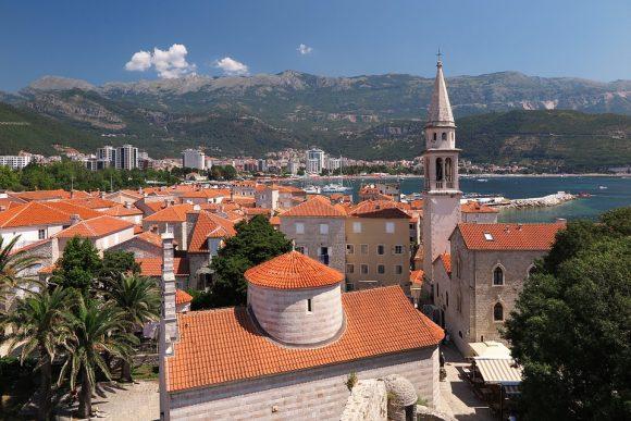 Црна Гора: Хотел им додели бонус од 400.000 евра на вработените