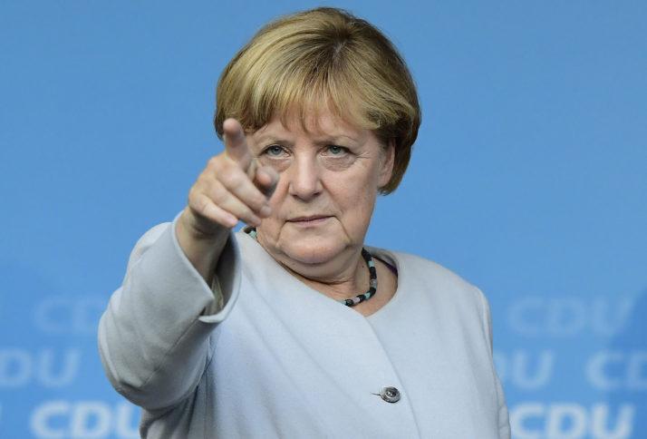 Меркел: Северна Македонија и Грција ќе имаат корист од решавањето на спорот за името