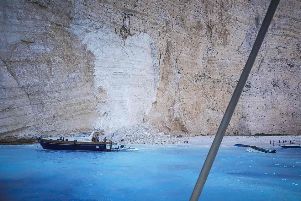 """По одронот плажата ,,Навагио"""" на Закинтос е повторно отворена (ВИДЕО)"""