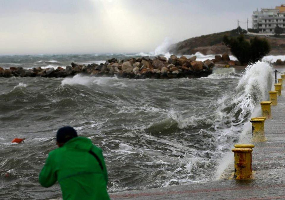"""Во Грција за два дена четири жртви од невремето """"Гирионис"""""""