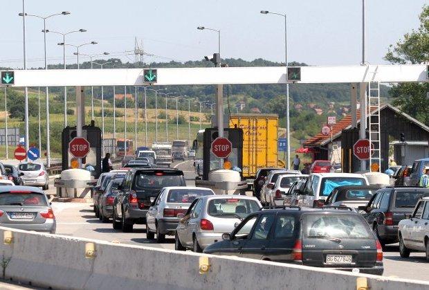 Поскапена патарината за странски возила во Србија