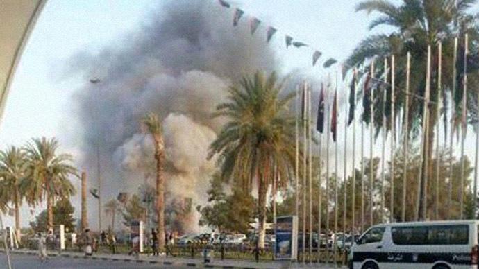 Ракетиран аеродромот во Триполи