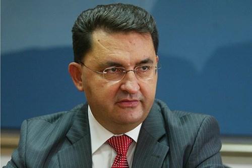 Славески: Неспроведувањето на институционалните реформи негативно се одразува врз економијата