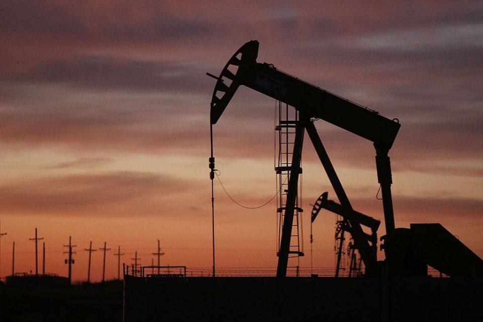 Го достигна максимумот: Се зголемува цената на нафтата