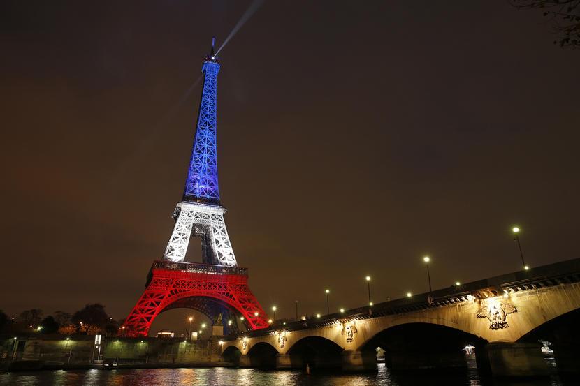 Непознати мажи отворија оган врз кафуле во Франција