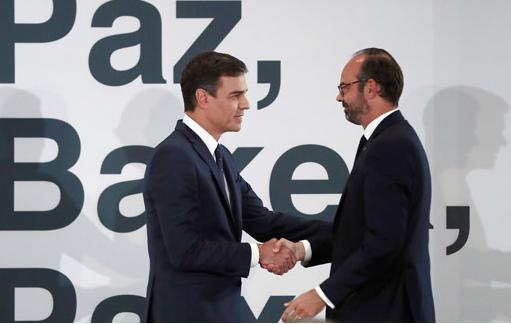 Франција ќе и предаде на Шпанија 7.000 предмети, вклучувајќи оружје и документи поврзани со ЕТА