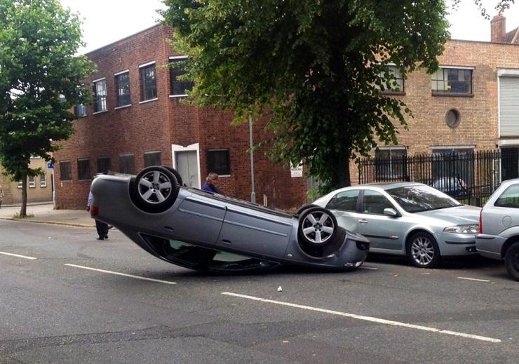 """""""БМВ"""" излетало од патот и се превртело"""