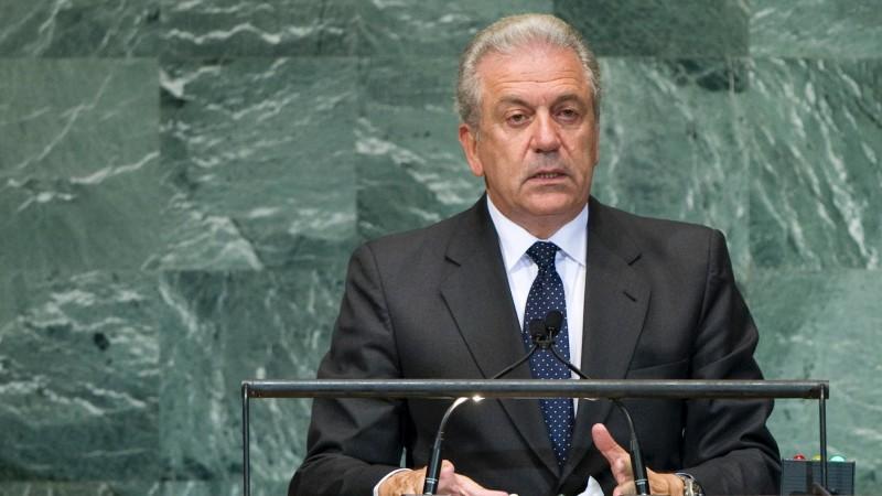 Аврамопулос: Турската инвазија во Сирија е опасност за мигрантското прашање