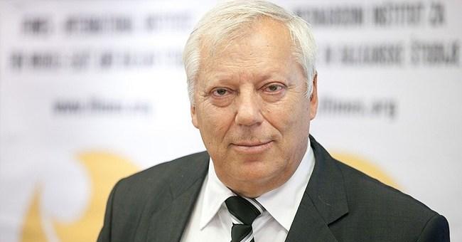 """Ферид Мухиќ за """"Лидер"""": На Македонија и е потребен партиски независен претседател"""