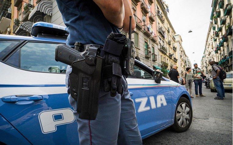 Матео Салвини ја испрати италијанската полиција на границата со Франција