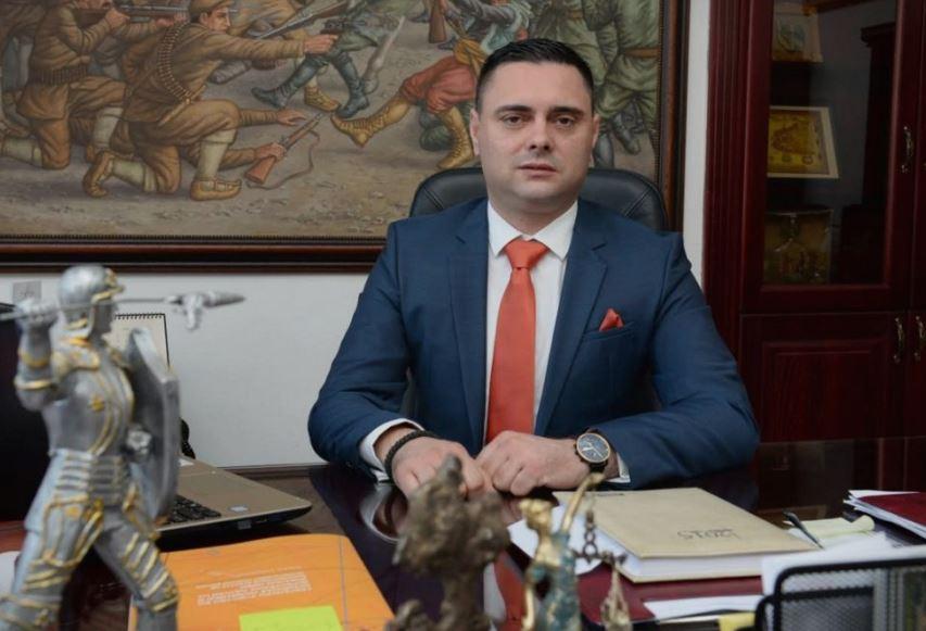 Митко Јанчев со јавна благодарност за Заев, Филипче и Спасовски – му помогнале за сообраќајката на син му