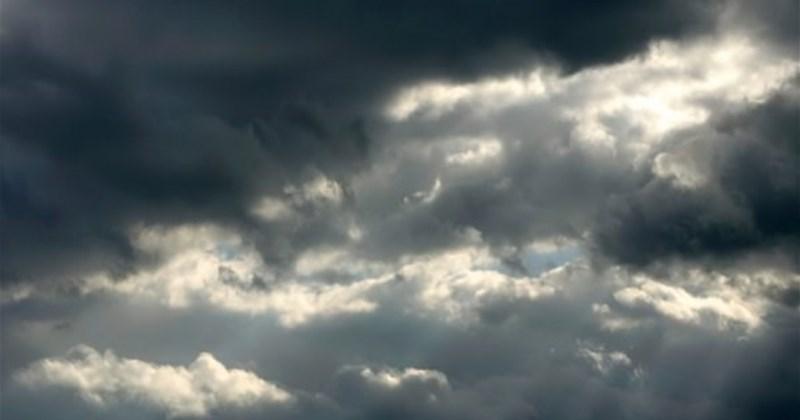 Облачно и врнежливо време со температури до 23 степени
