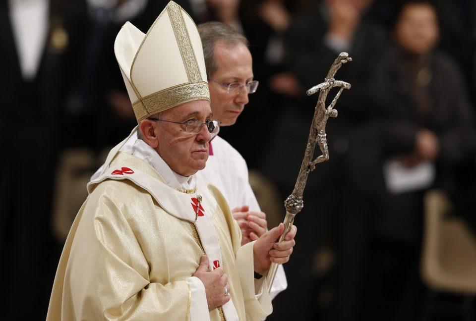 (ФОТО) За прв пат во историјата папата Франциск во посета на Емиратите