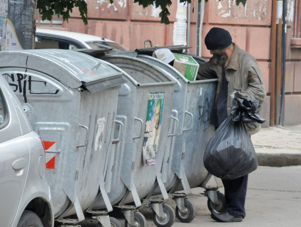 ВМРО-ДПМНЕ: Над 500.000 граѓани живеат под прагот на сиромаштијата