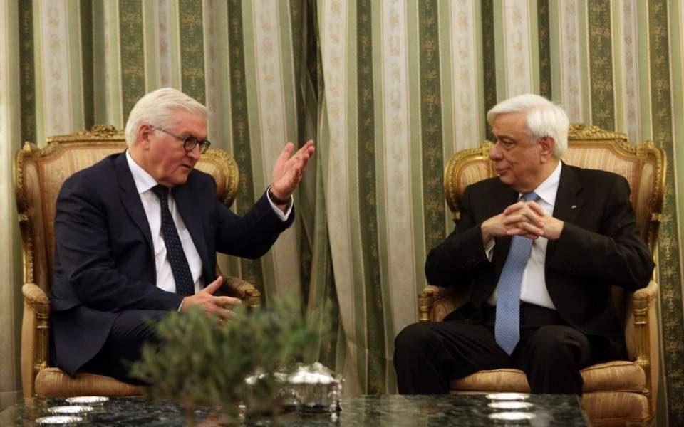 Павлопулос: Кога Македонија ќе го смени уставното име тогаш Договорот ќе се ратификува во грчкиот парламент