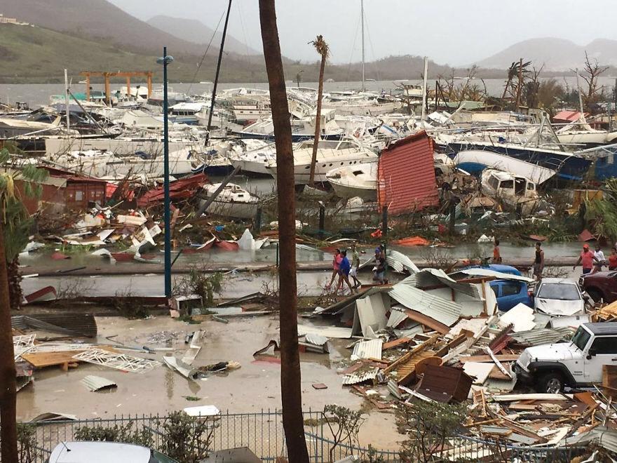 Ураганот одзеде најмалку седум животи во Флорида