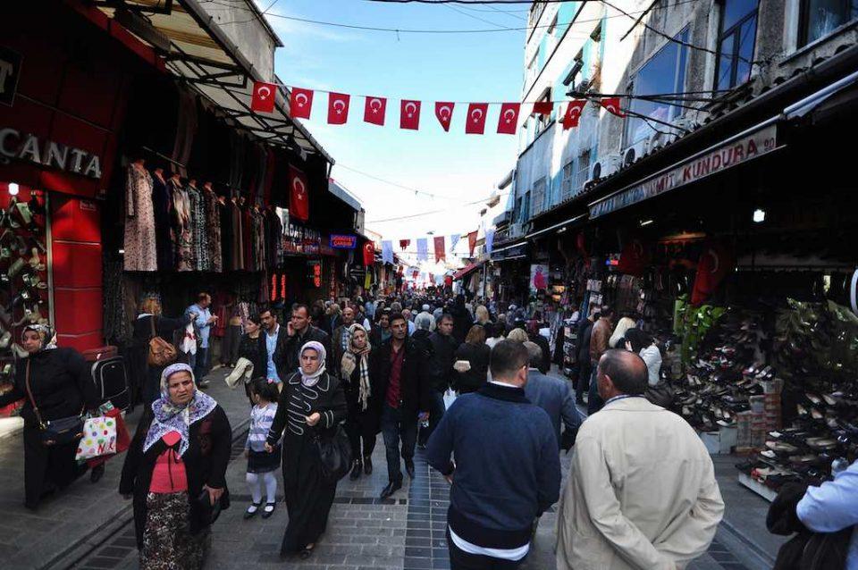 Во Турција моментално живеат речиси пет милиони странци