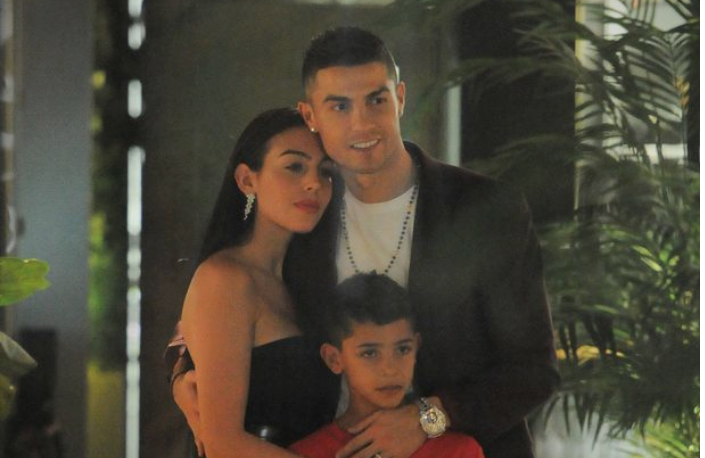 Кристијано Роналдо ја запроси Георгина