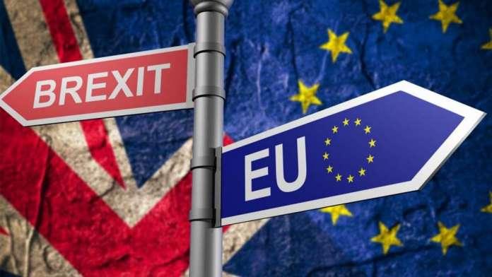 """""""Гардијан"""": Лондон повлекува дипломати од Брисел поради Брегзит"""