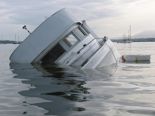 Венеција: Се судрија крузер и туристички брод има повредени