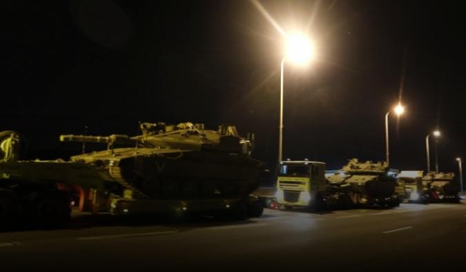 Израел испрати тенкови на границата со Газа