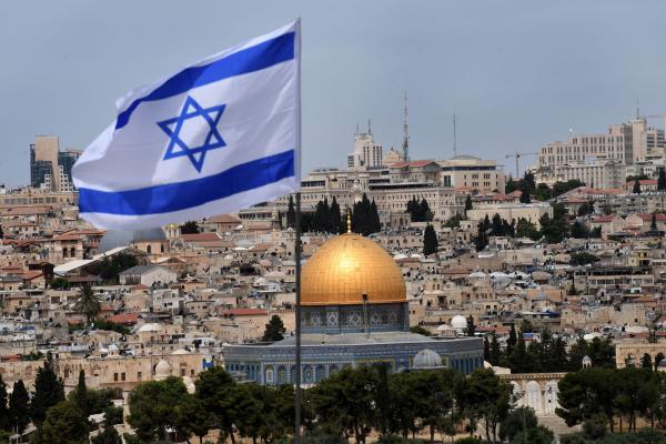 Температурите во Израел достигнаа рекордни 50 степени
