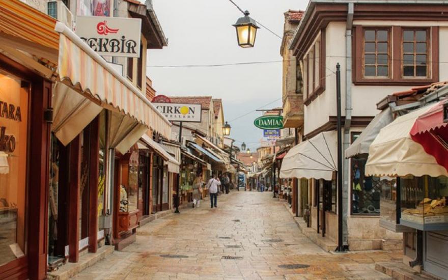 Владата бара нов увид и маркирање на дивоградбите во Старата скопска чаршија