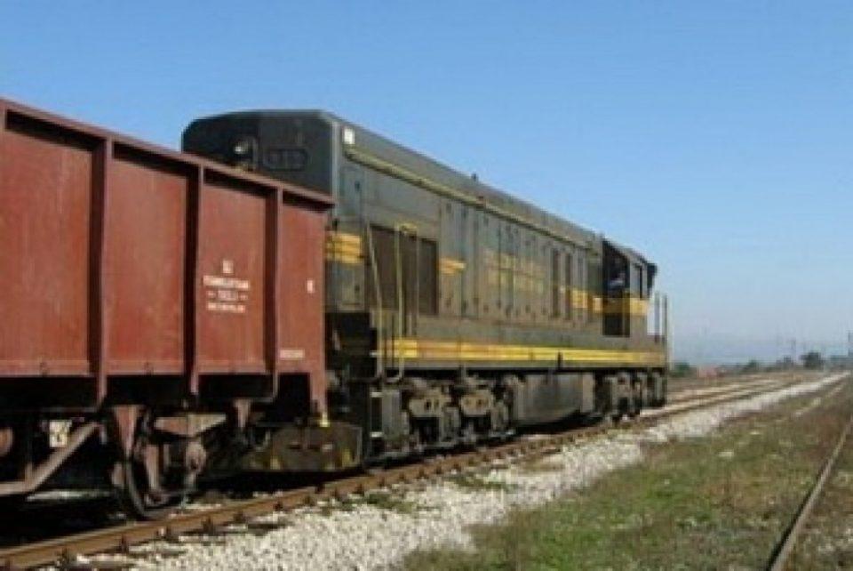 Воз удрил во одрони од карпа кај Велес, во прекин железничкиот сообраќај