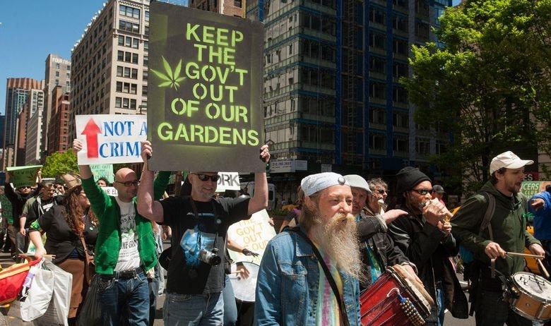 Гувернерот на Њујорк бара легализација на марихуаната