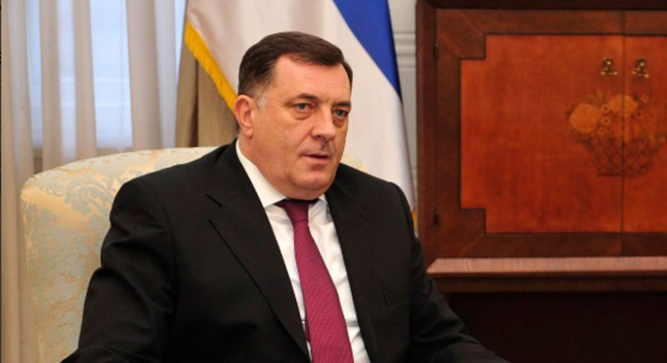 """Додик ја нарече """"фарса"""" оставката на Харадинај"""