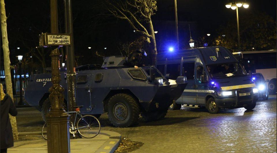 Четворица полицајци се убиени во напад со нож во Париз