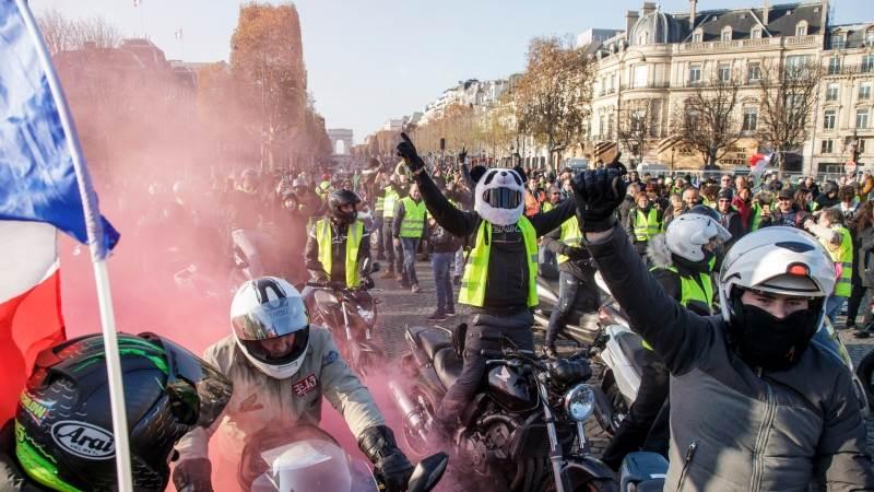 """За време на европските избори: """"Жолтите елеци"""" се судрија со полицијата во Брисел"""