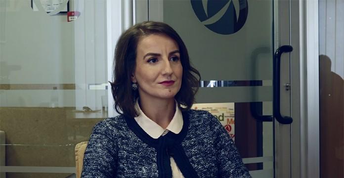 """Интервју на """"Лидер"""" со Беса Арифи: Убедена сум дека пратениците кои се за ЕУ и НАТО, ќе го изразат тоа преку гласање"""