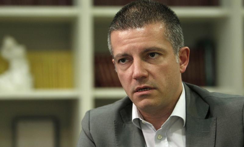 Министерот Манчевски призна дека е направен хаос во администрацијата