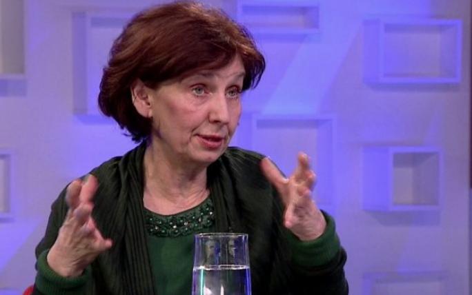 Силјановска: Пратениците кои ќе кренат рака за уставните измени ќе направат низа кривични дела