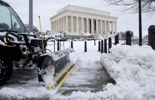 Екстремно студено време денеска зафати голем дел од САД