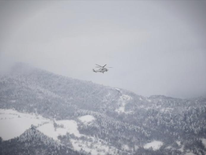 Oтсечени села во скопско: Со хеликоптер им се доставени прехранбени и материјални средства