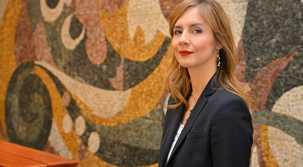 Ангеловска-Бeжоска: Македонската економија не е директно изложена на ризиците на глобалните трговски тензии