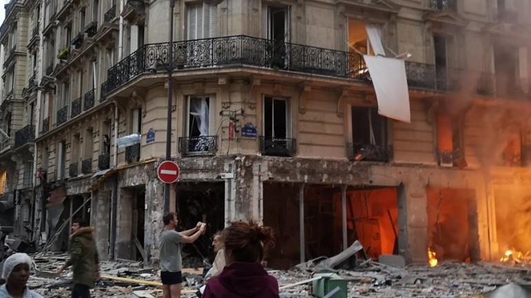 Силна експлозија го потресе центарот на Париз