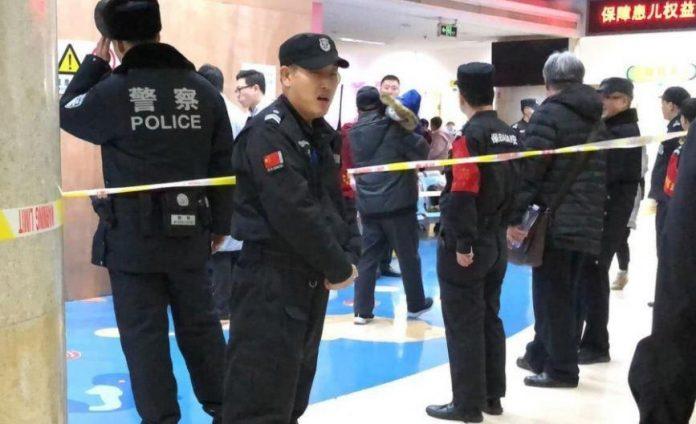 Хорор во Пекинг: 20 ученици избодени