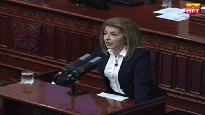 Ласовска до пратениците од СДСМ: Изградете му споменик на Ципрас
