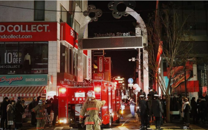 Крвава новогодишна ноќ: Маж со автомобил влета во луѓе