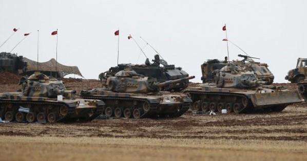 Гореа тенкови во турска база во курдскиот регион на Ирак