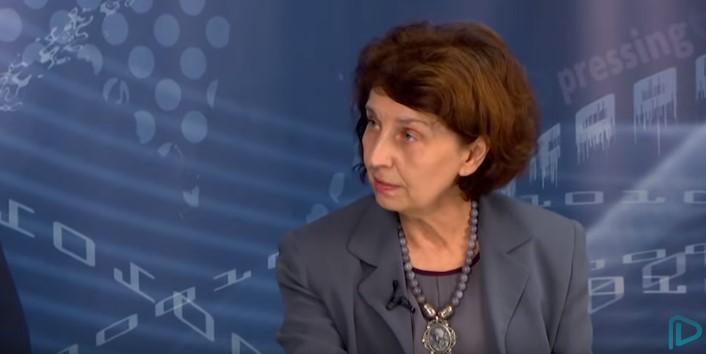Силјановска: Невообичаено е да видите министерка за одбрана на спот како што е невообичаено е да видите премиер и министер за внатрешни работи во кампања
